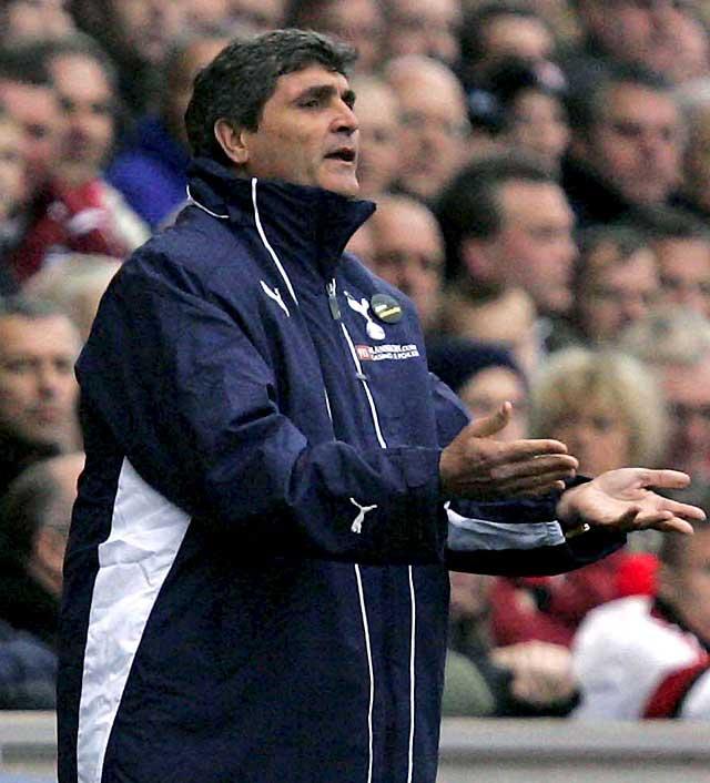 Juande Ramos deja de ser el entrenador del Tottenham