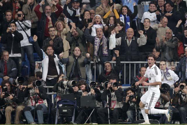El Málaga suma una nueva victoria y frena en seco alSevilla