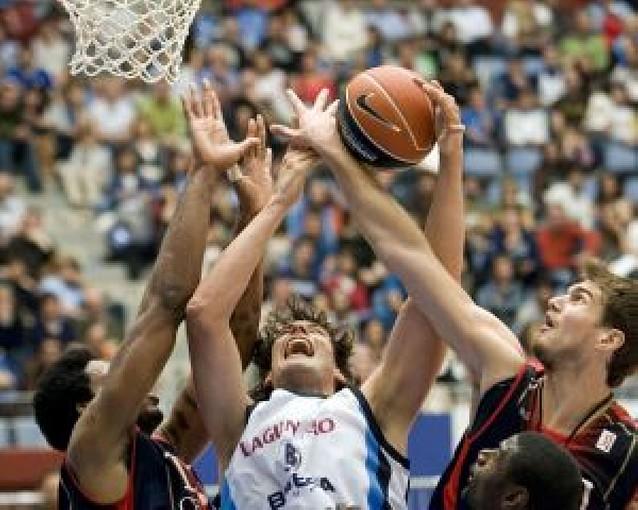 El Madrid cae en su propia pista ante el Cajasol