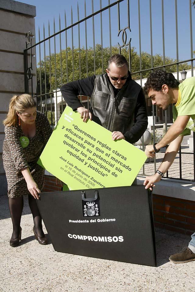 Bosé e Intermón piden a Zapatero que lidere la negociación de acuerdos con América Latina