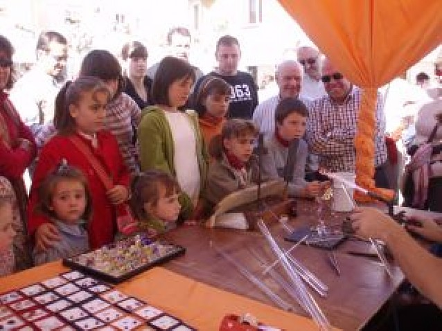 Ayegui cierra su otoño cultural con una feria de 38 artesanos