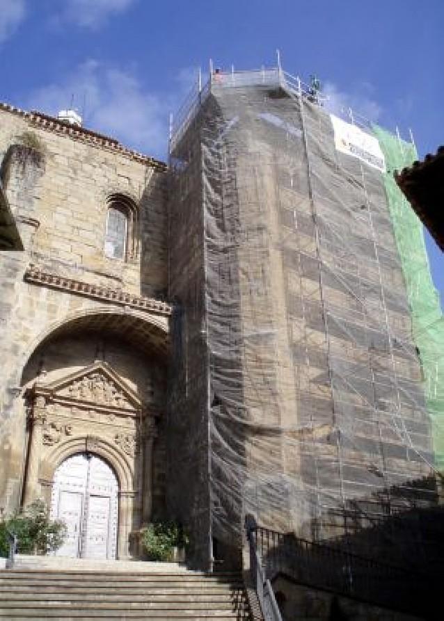 La cubierta de la iglesia de Cáseda se reforma gracias a una aportación de la familia Recari