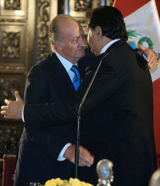 El Rey afirma que la crisis obliga a un refuerzo de la cooperación internacional