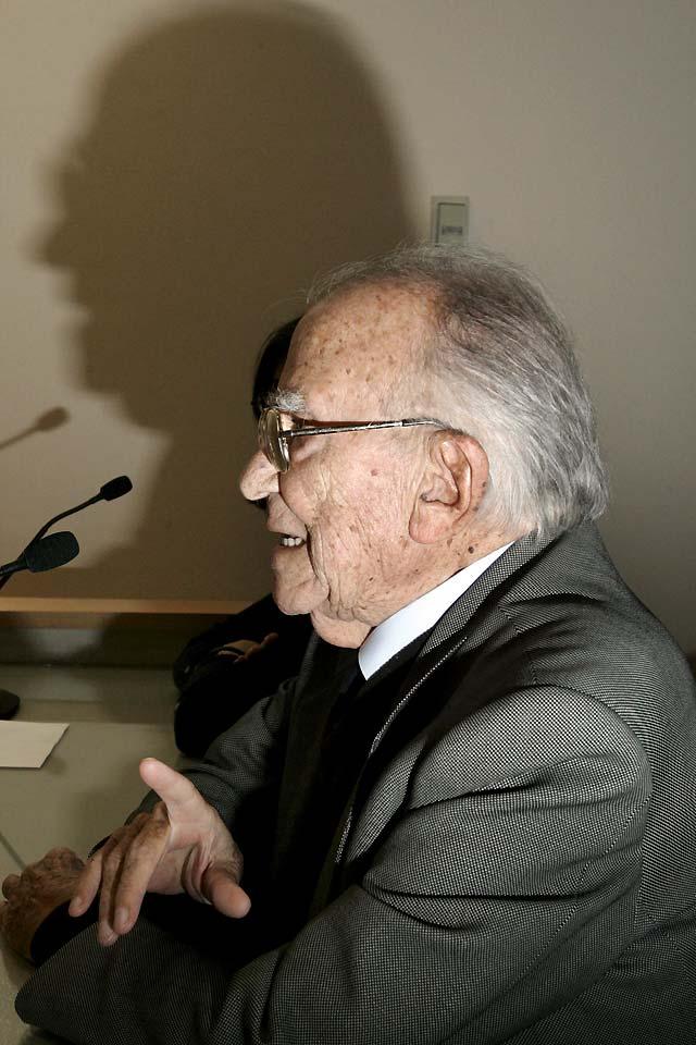 """Santiago Carrillo: """"Garzón comete un error porque puede salir el tiro por la culata"""""""