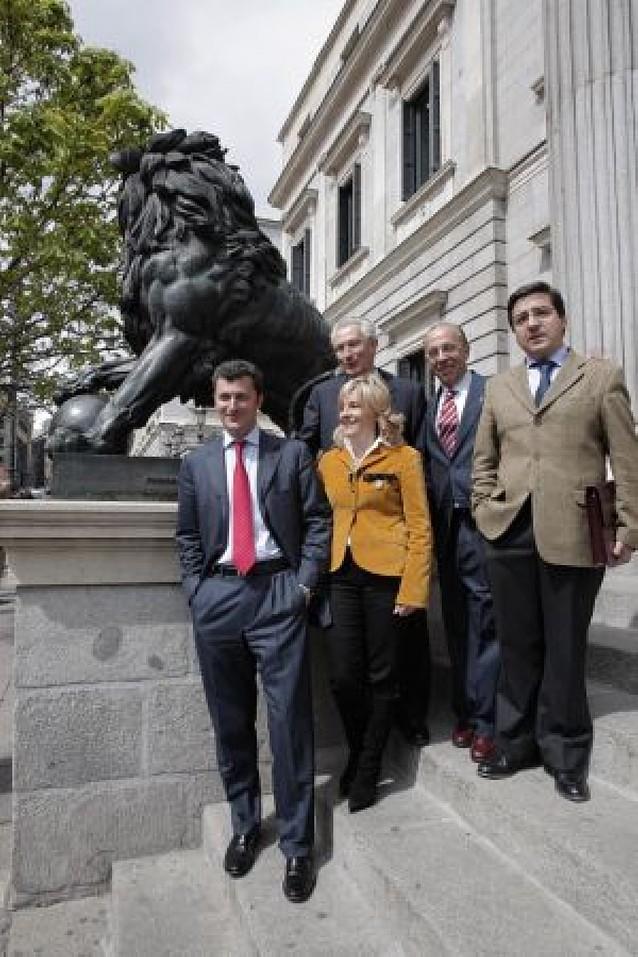 UPN podría ordenar a sus diputados y senadores que pasen al grupo mixto