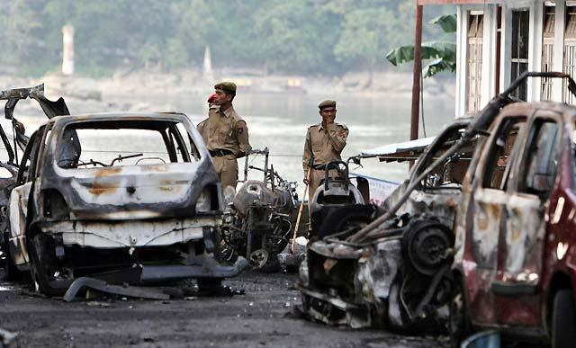 Al menos 40 muertos en una serie de explosiones en el estado indio de Assam