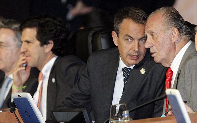 España pide una voz ante la crisis y logra de la cumbre apoyos frente a ETA