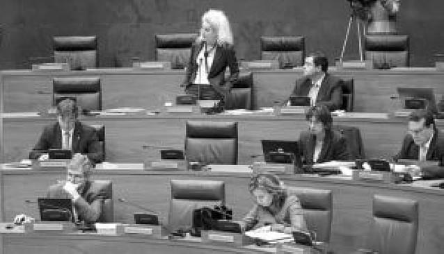 NaBai, PSN e IU tramitan una ley que pretende no concertar los centros sin enseñanza mixta