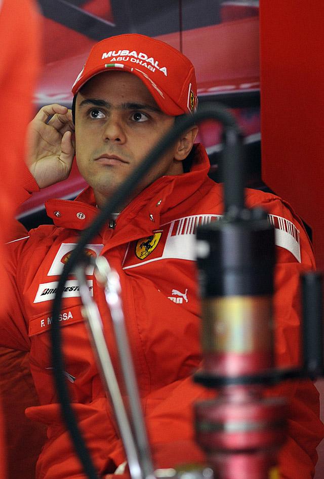 Massa golpea primero y bate a Hamilton en los primeros libres en Interlagos