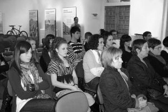 Una veintena de personas participa en las jornadas de juventud e igualdad