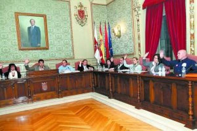 El ayuntamiento adaptará los chorros de la piscina cubierta a la normativa