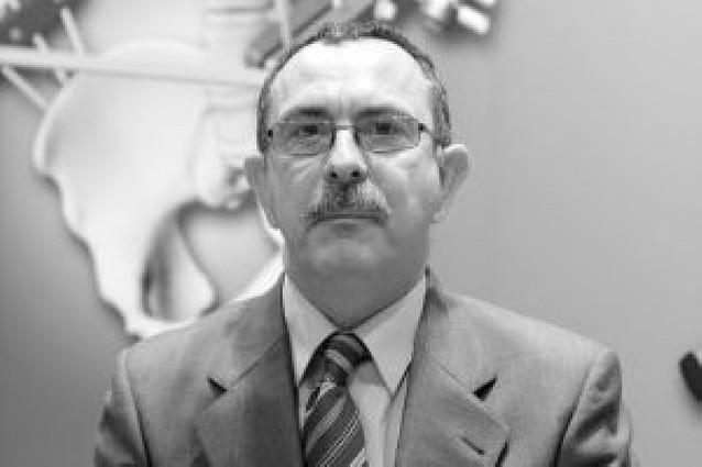 El director de Salud anuncia que se va al PP y María Kutz le destituirá