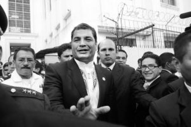 """El presidente de Ecuador reitera que Repsol """"se va del país"""""""