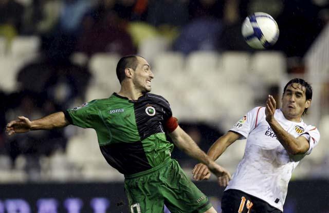El Villarreal recupera su impronta y hunde al Athletic
