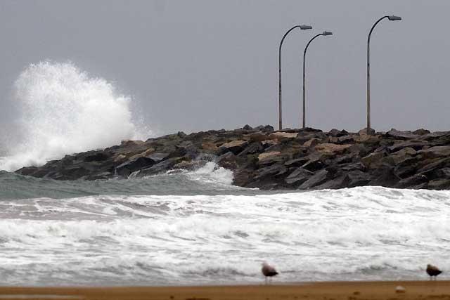 El temporal de lluvia y viento provoca numerosos destrozos en Tarragona