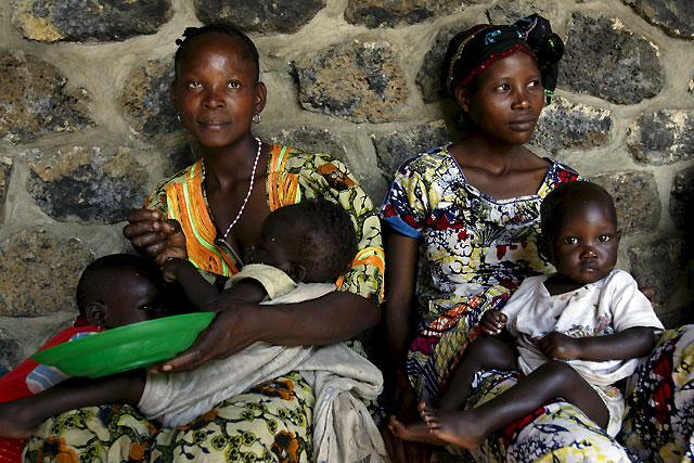 El convoy de ayuda de la ONU encuentra vacios y destruidos los campamentos de refugiados del este del Congo