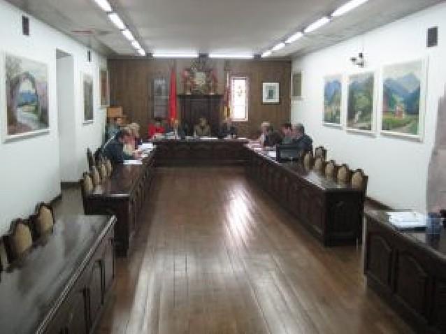 Baztan aprueba nuevas retribuciones para los ediles, y UPN las recurrirá