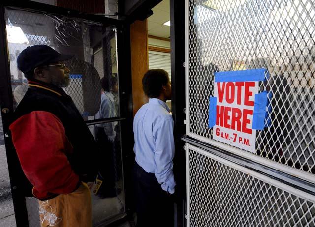 Barack Obama deposita su voto en Chicago y se prepara para la noche electoral