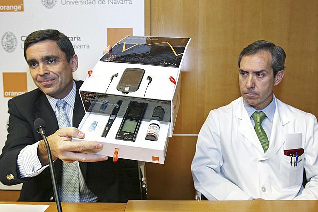 La Clínica Universitaria controlará a diabéticos y obesos a través del móvil