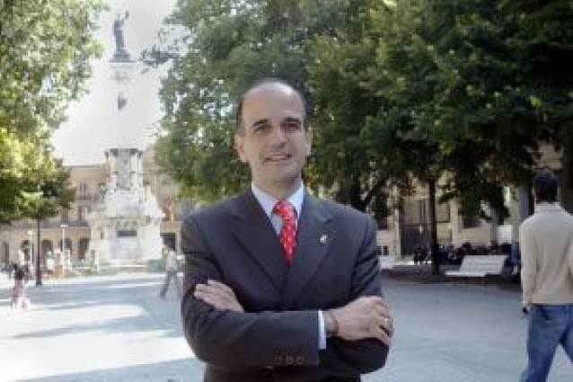 Catalán se está pensando si disputa a Barcina la presidencia de UPN