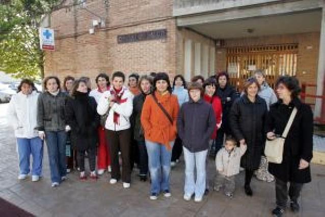 60 familias protestan por la falta de pediatras en el centro de Peralta