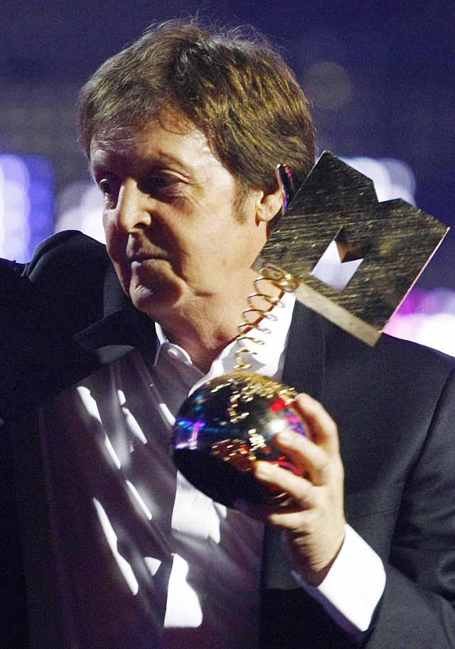 Emotivo homenaje a McCartney en los Premios MTV