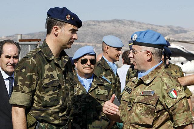 Visita sorpresa del Príncipe a las tropas españolas en Líbano