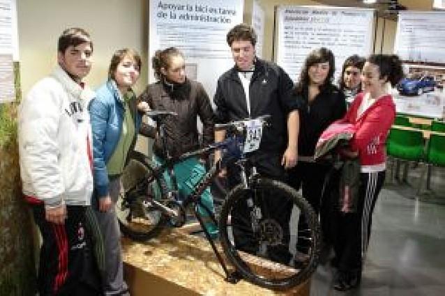 """La exposición """"Pedaladas hacia la sostenibilidad"""" llega a Cintruénigo"""