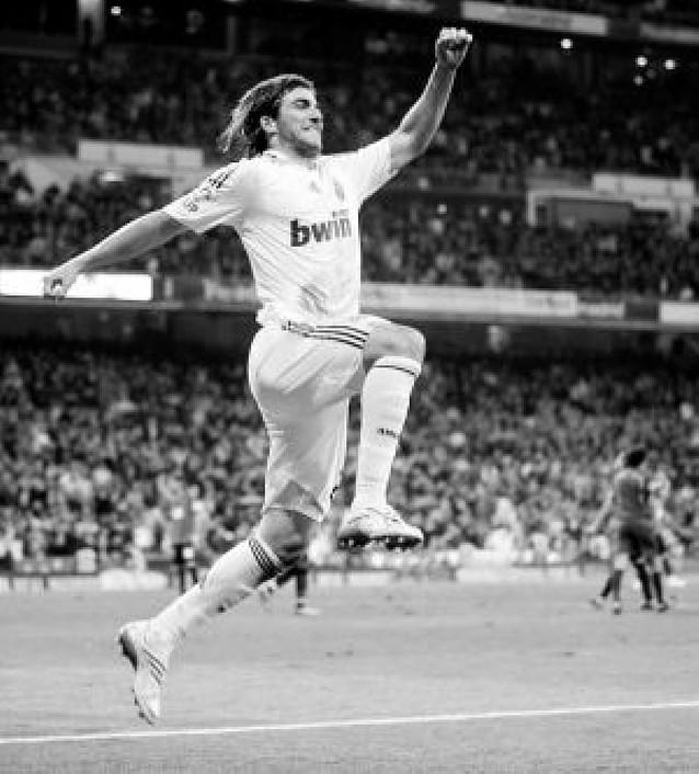 El Madrid se salva gracias a Higuaín