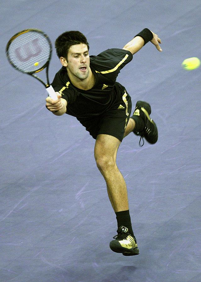 Djokovic derrota en dos sets a Del Potro en el encuentro inaugural del Masters de Shangai