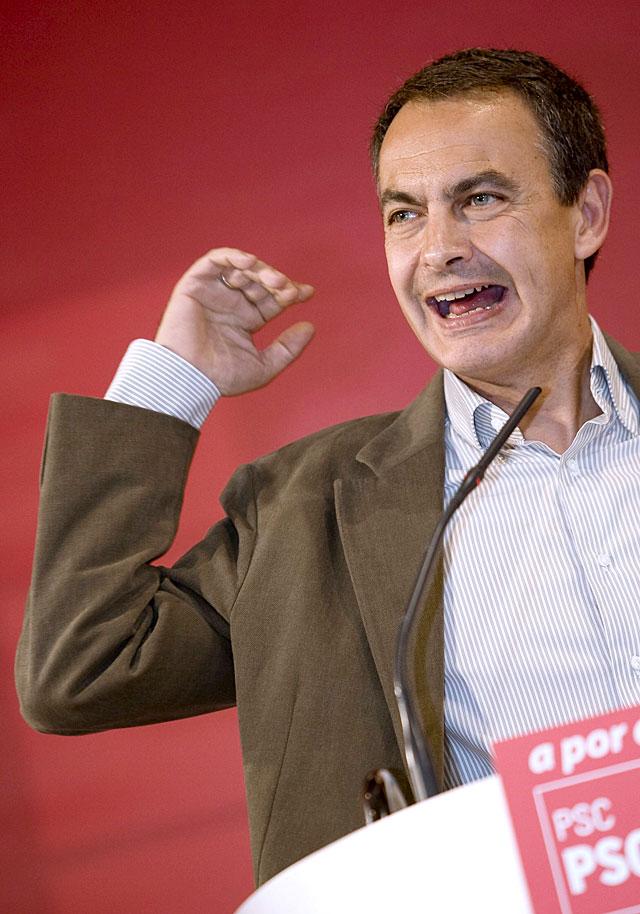 """Zapatero apuesta por una reforma a fondo para la crisis porque """"no valen paños calientes"""""""