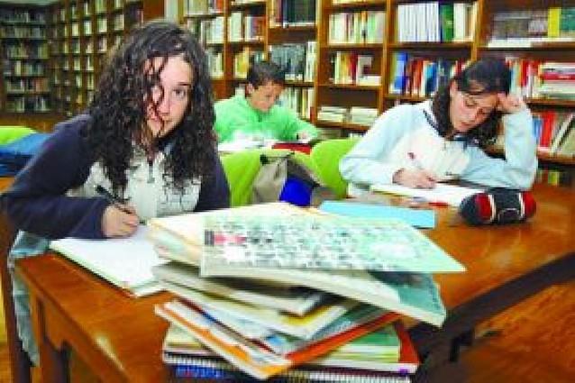 444 familias renuncian a los libros de texto gratis en Primaria y ESO