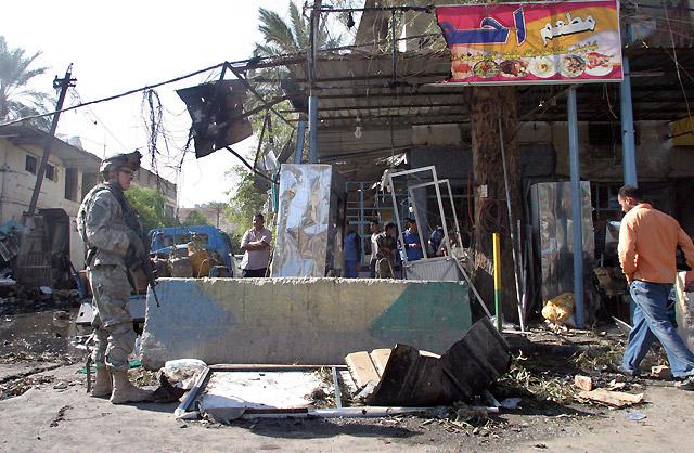Un triple atentado en el centro de Bagdad causa al menos 28 muertos y 68 heridos