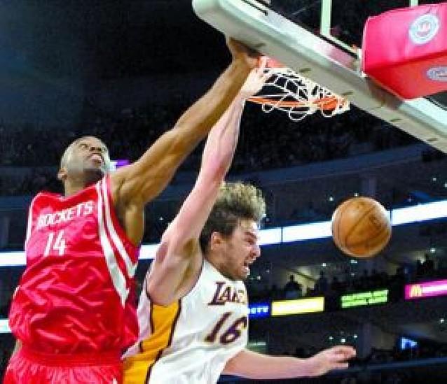 Gasol crece como ala-pivot tras ganar a los Rockets