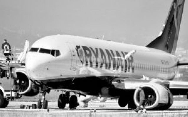 Ryanair abandona en Roma a 700 españoles