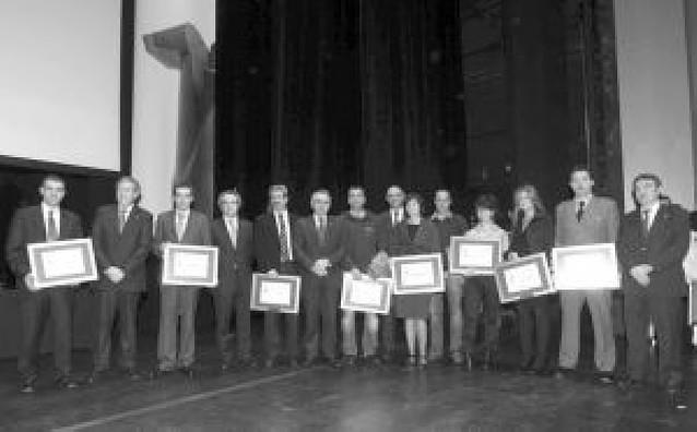 El colegio Carmelitas-Vedruna y la CAN, Premio Navarro a la Excelencia 2008