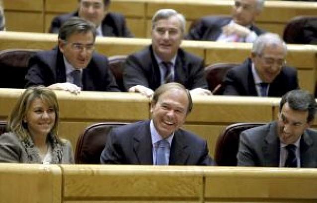 El PP atribuye a Zapatero un legado de crisis y paro tras cinco años de gobierno