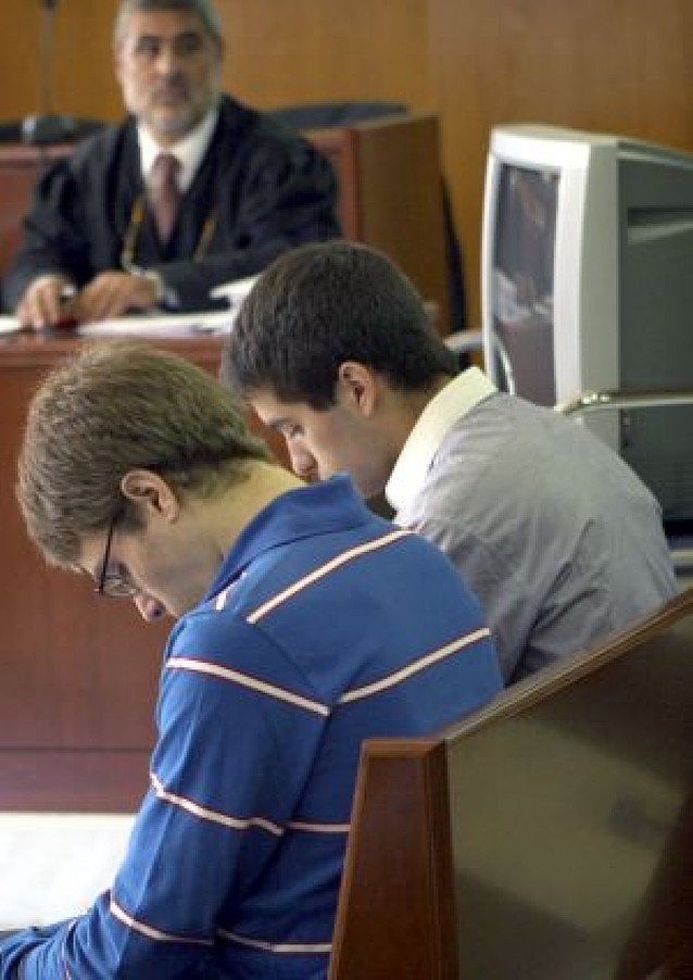 Condenados a 17 años los dos jóvenes que quemaron a una indigente en Barcelona