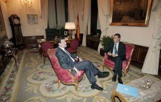 Zapatero y Rajoy defienden que España permanezca en los foros de debate mundial