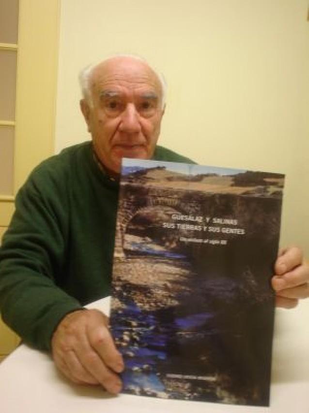 El párroco de Esténoz publica un libro sobre las tierras y gentes de Guesálaz