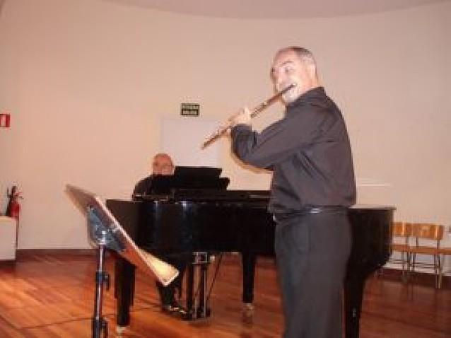La música celta encandiló al público en el Julián Romano