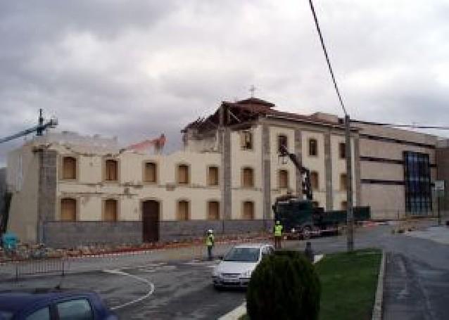 Derribada la antigua residencia de Aoiz para construir pisos