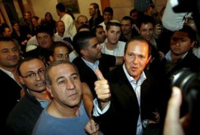 El candidato laico Barkat arrebata la alcaldía de Jerusalén a los ortodoxos
