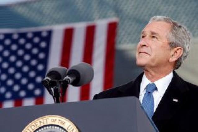 """Bush sólo lamenta al final del mandato haber usado un lenguaje de """"cowboy"""""""