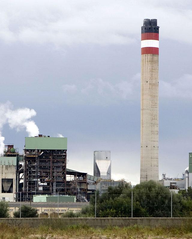 La avería en una central térmica deja sin suministro eléctrico a Mallorca y Menorca