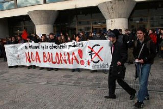 Estudiantes navarros secundan la huelga contra el plan Bolonia