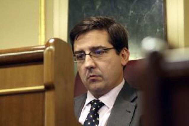 El diputado Carlos Salvador (UPN) formaliza su paso al Mixto
