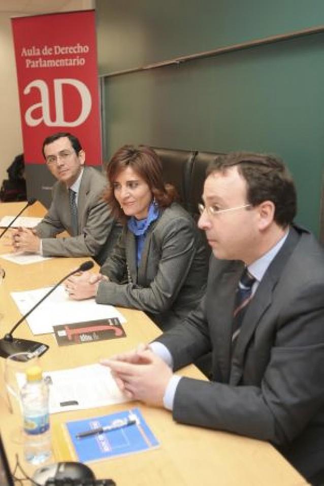 La Universidad de Navarra debate sobre el Derecho Constitucional y Bolonia