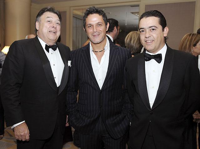 "Alejandro Sanz, elegido ""Español universal de las artes 2008"""