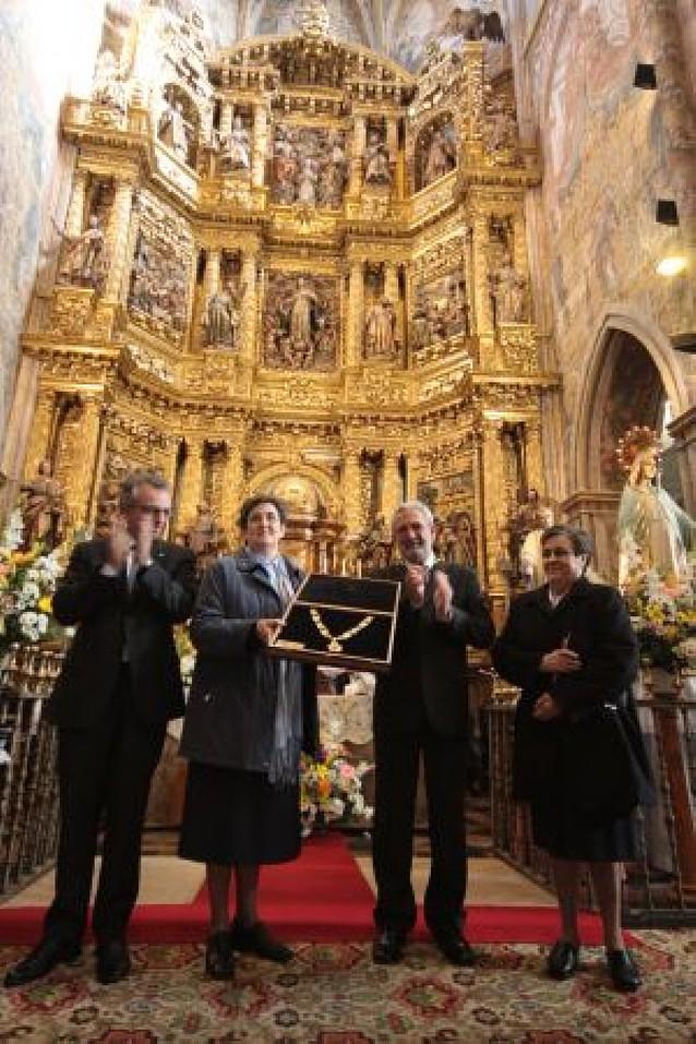 Las Hijas de la Caridad reciben la Medalla de Oro de Viana tras 150 años en el pueblo